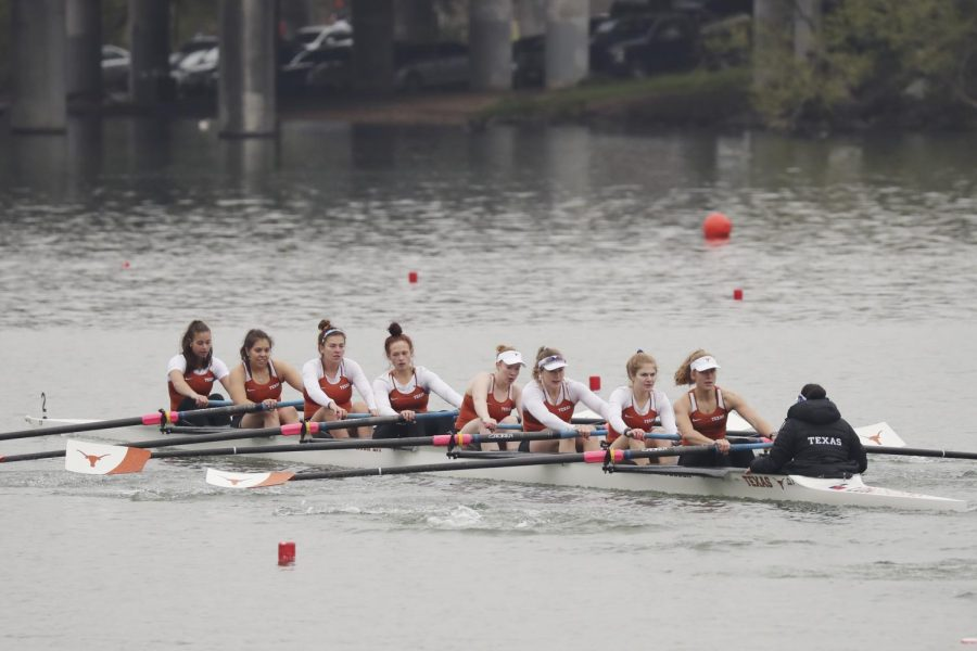 Texas+Rowing+starts+season+off+right+with+dominant+performance+in+Ann+Arbor