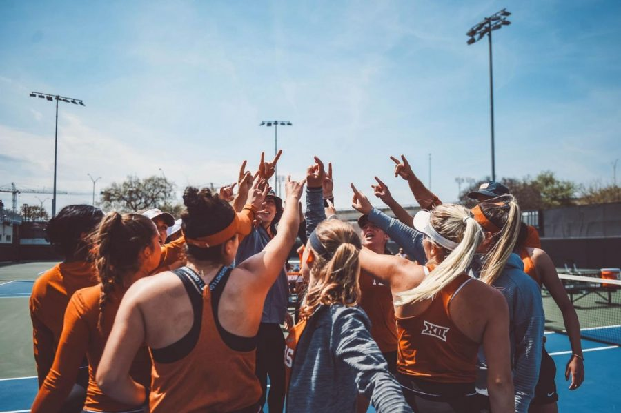 Longhorns clinch a 4-0 victory for their final home game and senior day
