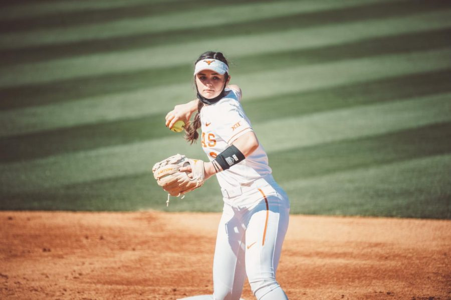 Mckenzie+Parker+on+growing+up+a+Longhorn+and+%E2%80%98flipping+the+switch%E2%80%99+with+Texas+softball
