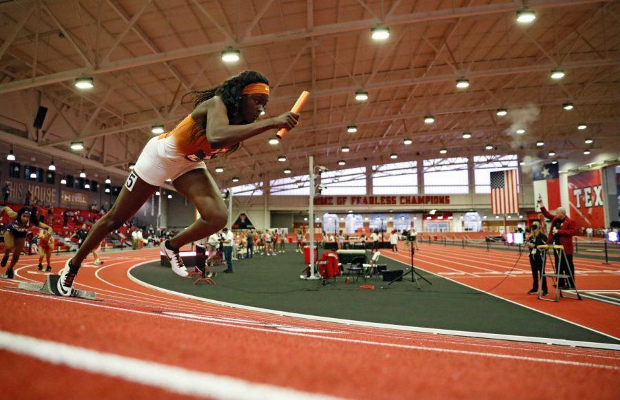 Texas sprinter Rhasidat Adeleke breaks records with Olympics in mind