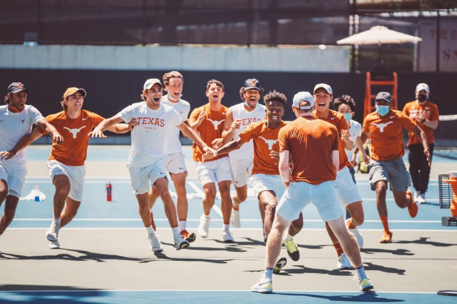 Braswell's heroics lift Texas men's tennis over Oklahoma State 4-3