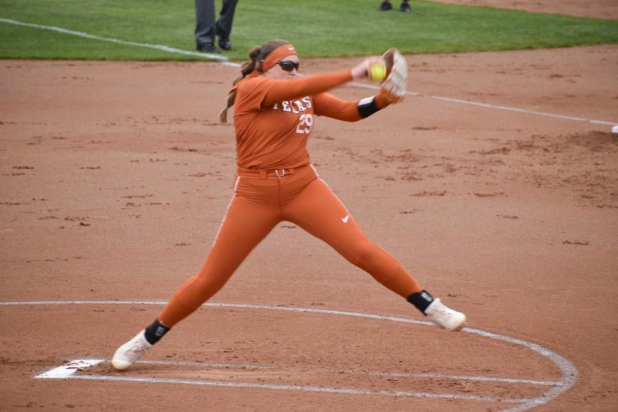 Texas Longhorns secure win over Iowa State with second-inning rally
