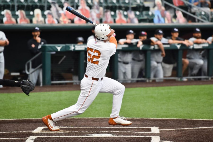 No.+3+Longhorns+ride+tremendous+pitching+to+doubleheader+victory