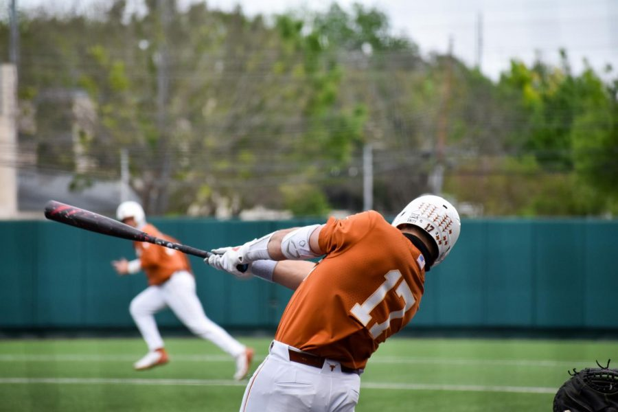 Texas baseball continues hot batting streak, completes sweep of Abilene Christian