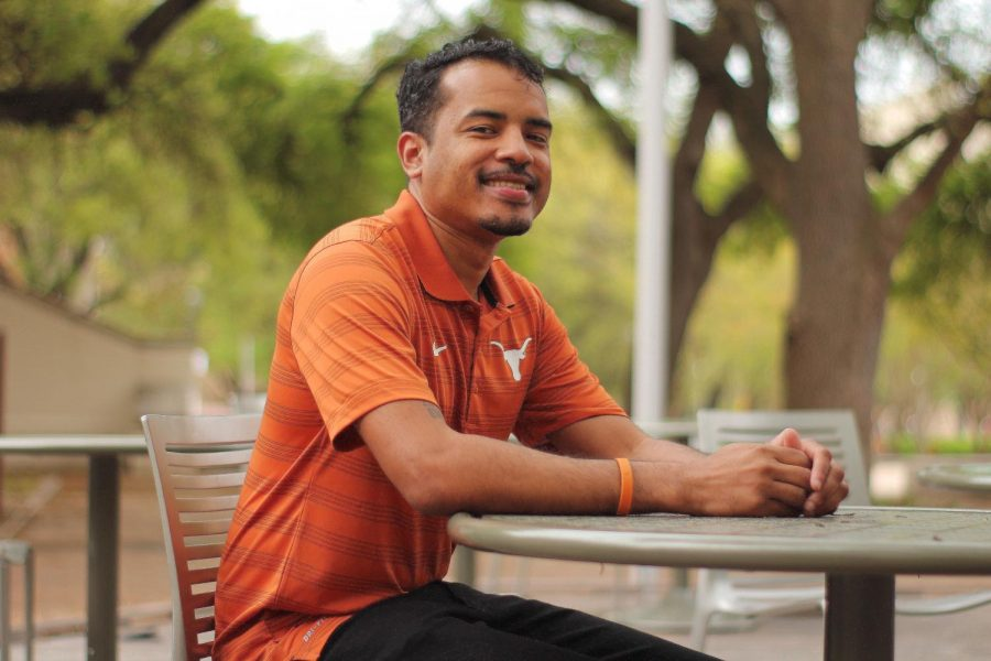 UT barista Stanley Sutton spreads positivity with acts of kindness