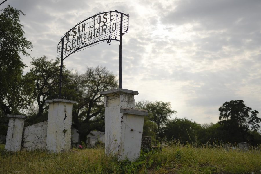 UT-Austin researchers work to protect historic Mexican American cemetery
