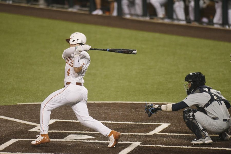 Longhorns beat Jayhawks in defensive battle, end two-game skid