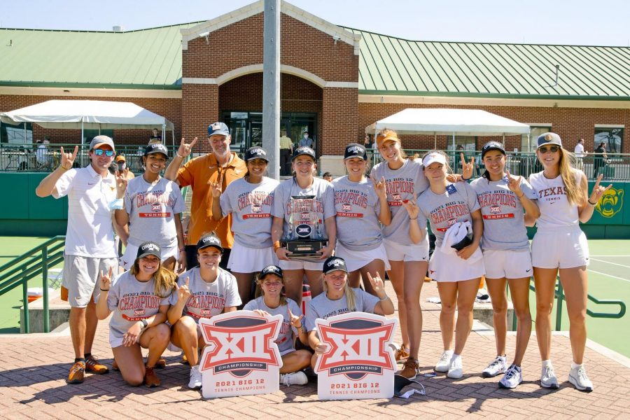 Texas+women%E2%80%99s+tennis+takes+Big+12+Championship+in+4-0+sweep+over+Baylor