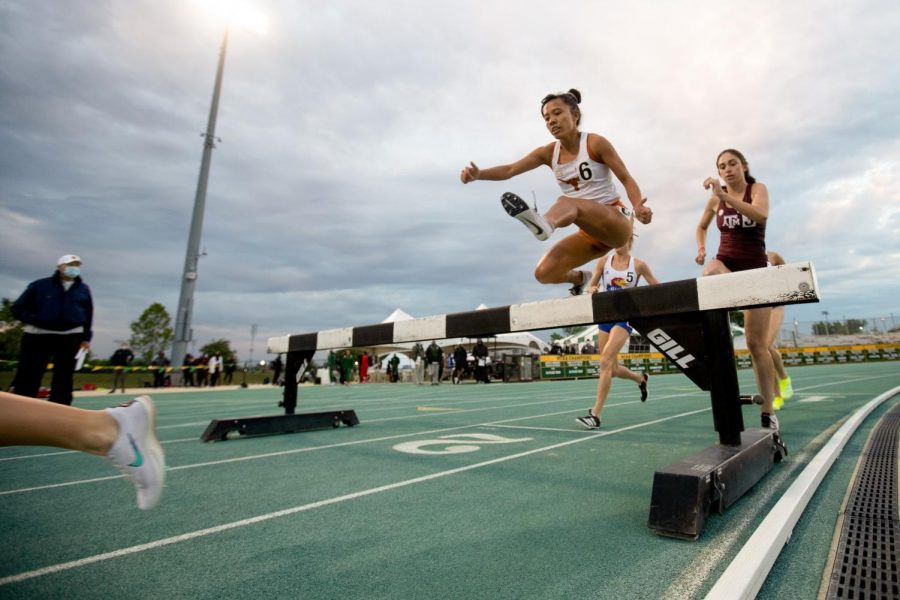 Texas track and field competes in Michael Johnson Invitational over weekend