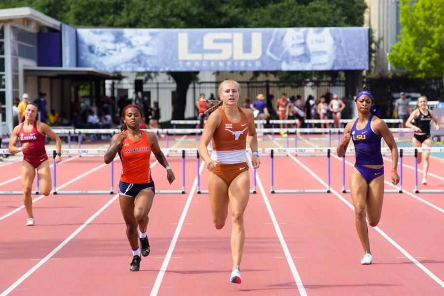 Texas track and field unofficially breaks records in Baton Rouge, falls short of first-place finishes