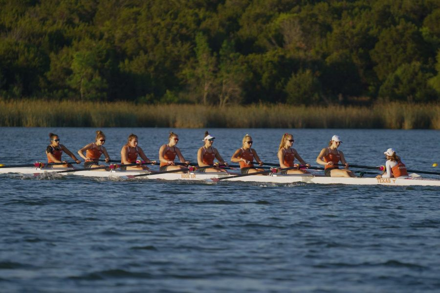 Texas+Rowing+sweeps+past+Virginia+as+strong+season+continues