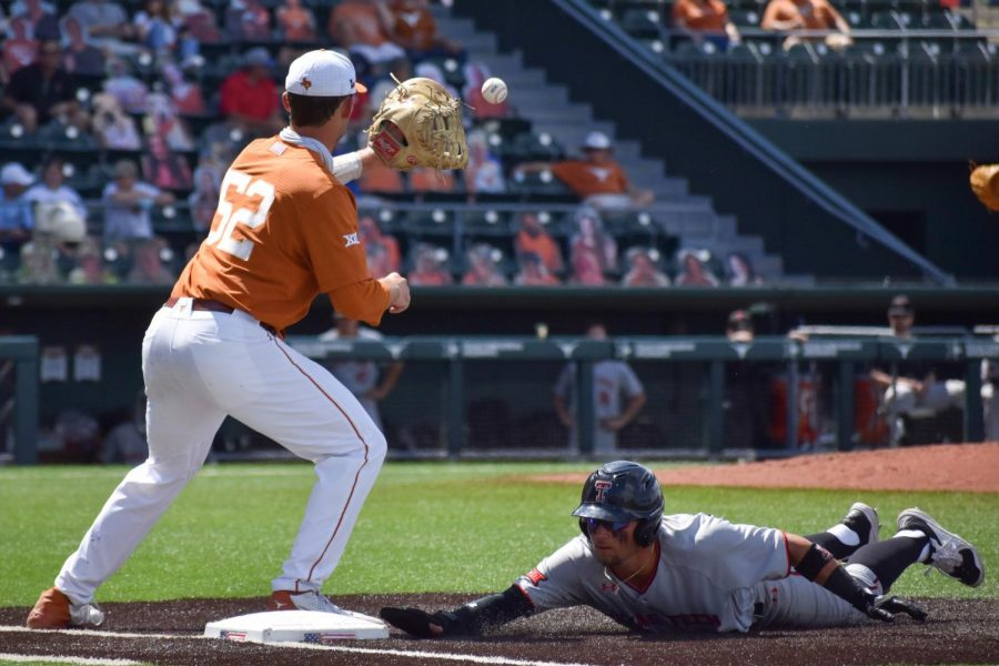 Texas+baseball+prevents+series+sweep+with+dominant+Sunday+win+against+Texas+Tech