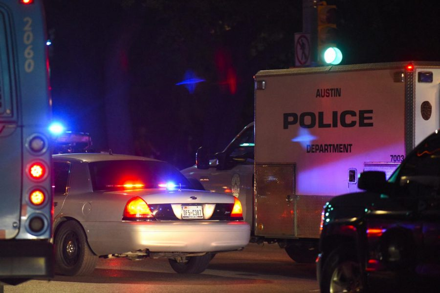 Police+responded+to+barricaded%2C+armed+subject+at+an+apartment+in+Riverside%2C+subject+in+custody
