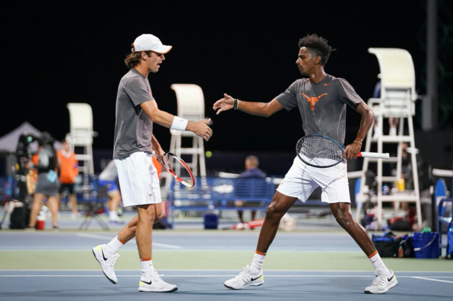 No.+4+Texas+men%E2%80%99s+tennis+loses+out+in+semifinals+to+No.+1+Florida%2C+reflects+on+run