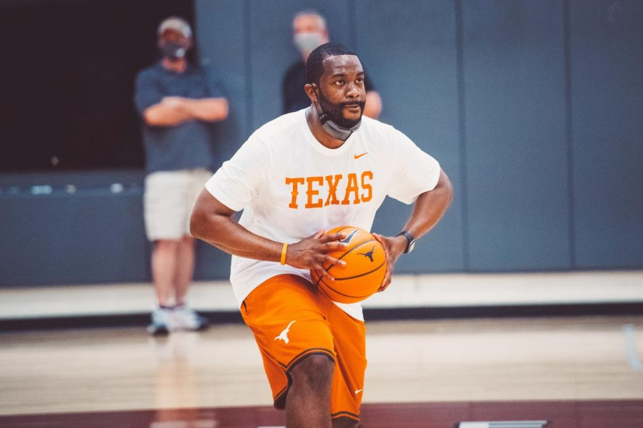 New Texas men's basketball staff embraces alternate recruiting style