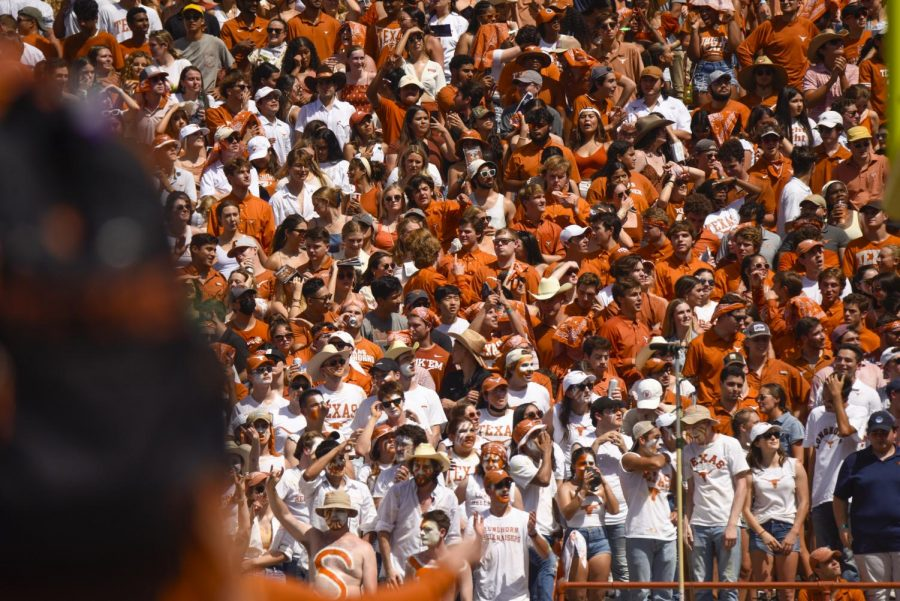 UT-Austin students report getting kicked out of student section during first football game