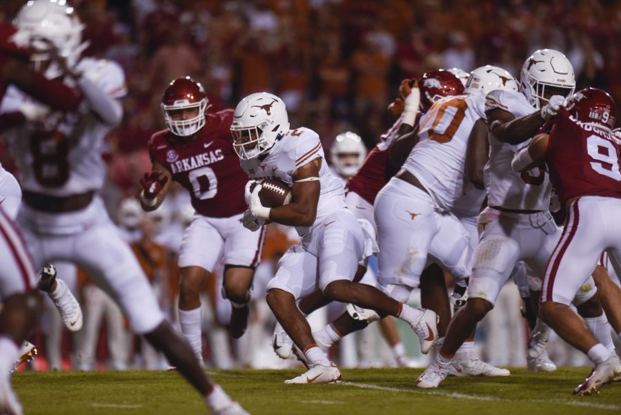 What to watch this week in Texas sports: soccer, football begins conference play, 2 rivals meet at Jerry World