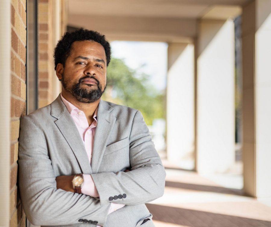 UT+professor+inspires+students+despite+turbulent+undergraduate+beginnings