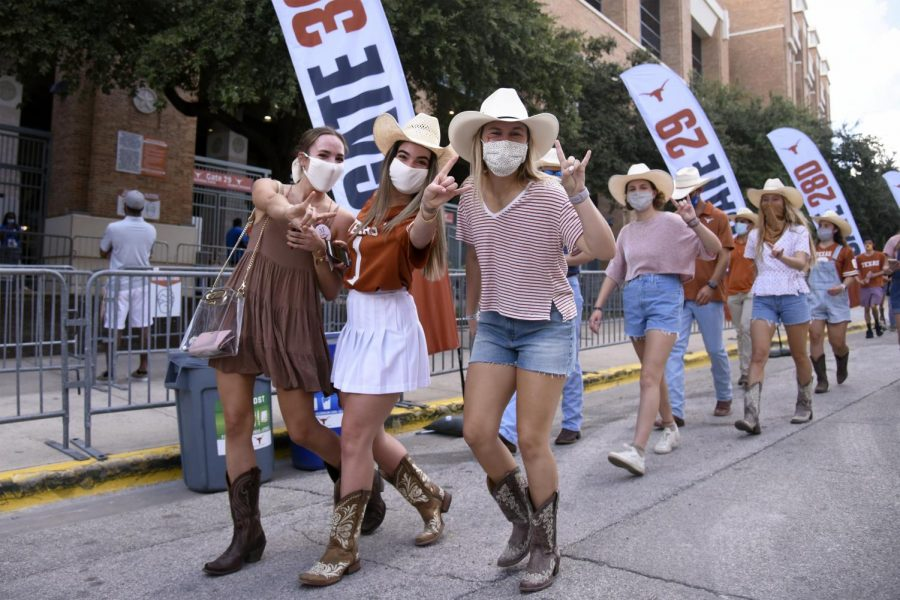 Texas+football+returns+to+normalcy+without+gameday+protocols+in+place