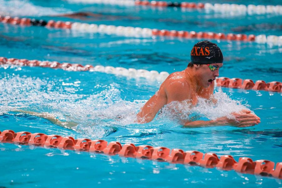 Texas+men%E2%80%99s+swim+%26+dive+takes+charge+against+Incarnate+Word+Cardinals+at+first+home+meet