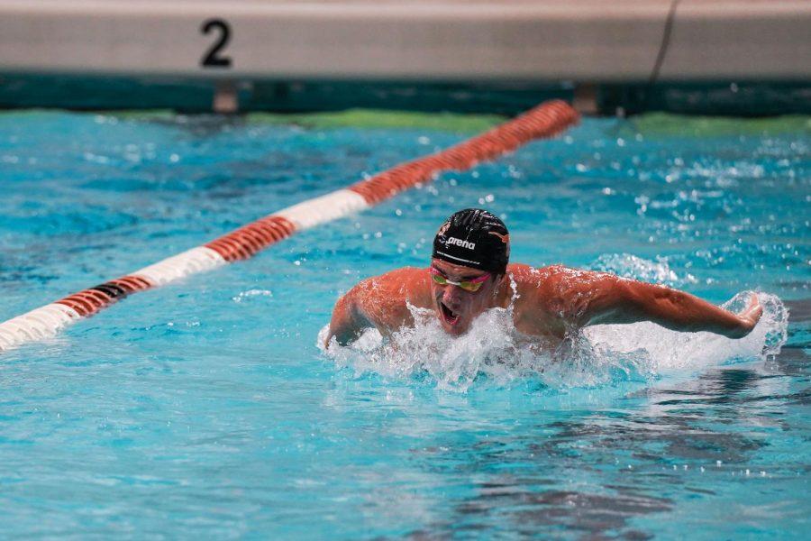 Men's swim & dive upset Texas A&M, clench No. 1 spot in division